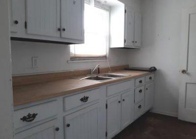 3. kitchen   1559 vancouver