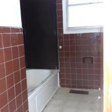 3. bathroom   1538 w stewart
