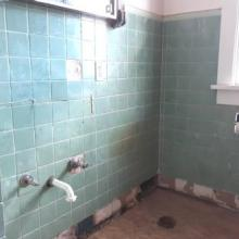 3. bathroom   404 e siebenthaler
