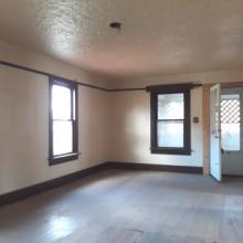 4. living room   404 e siebenthaler