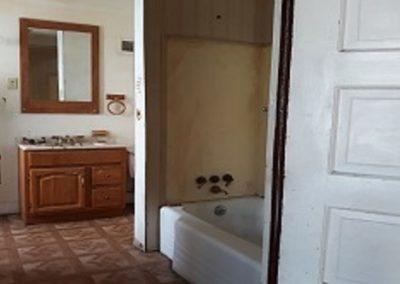 2. bathroom 1733 e fourth